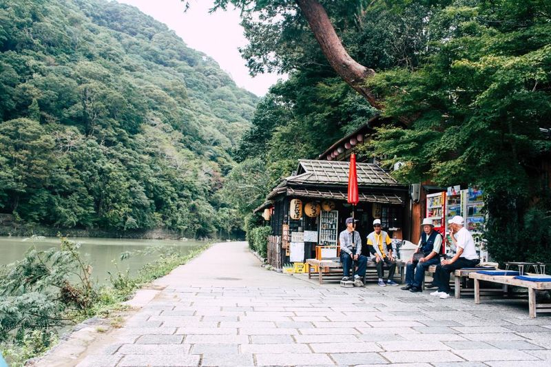 ältere Japaner bei einer Pause