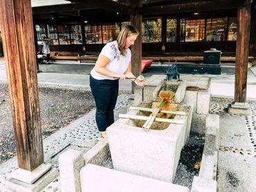 Rituelle Reinigung vor einem Tempelbesuch